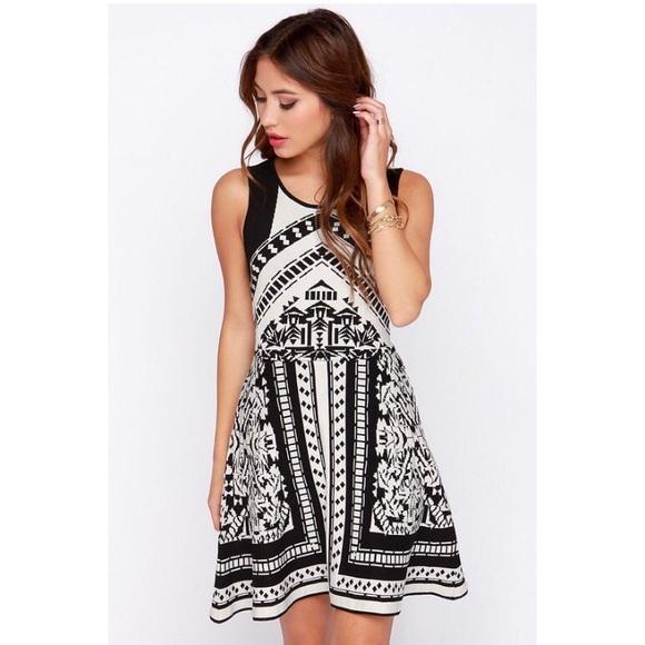 Lush Dresses & Skirts - Lush Black and White Print Sweater Dress